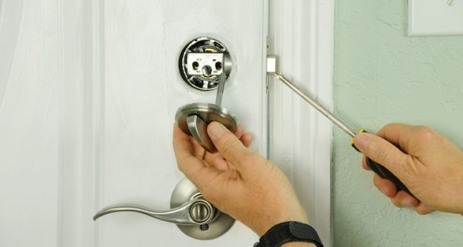 Emergency Locksmith: Why You Should Hire a Professional